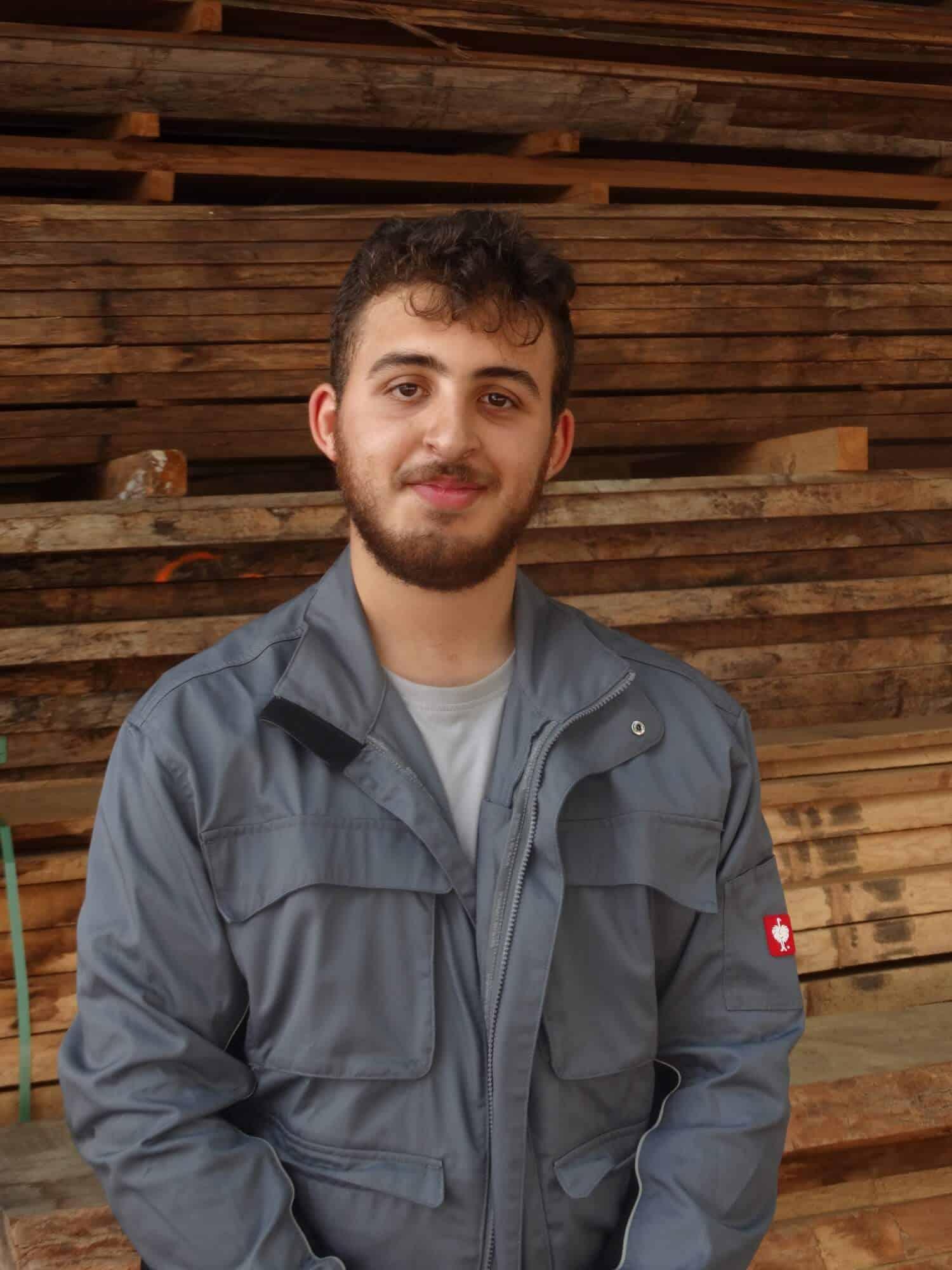 Tyron Ardian Halilaj - 18 , Auszubildender Fachkraft für Lagerlogistik